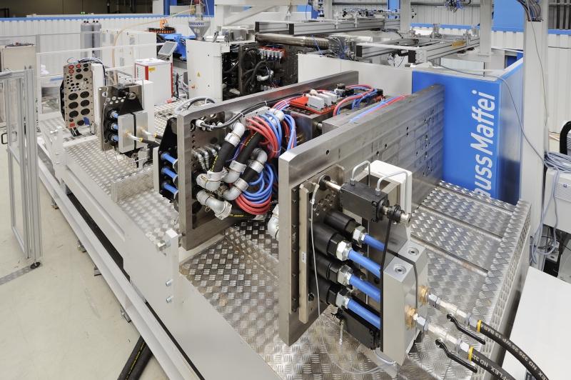 モーター駆動式 金型搬送用プリローラ