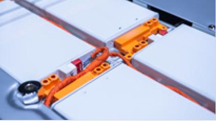 電池用セルフレームの付着異物を除去するクリーナー
