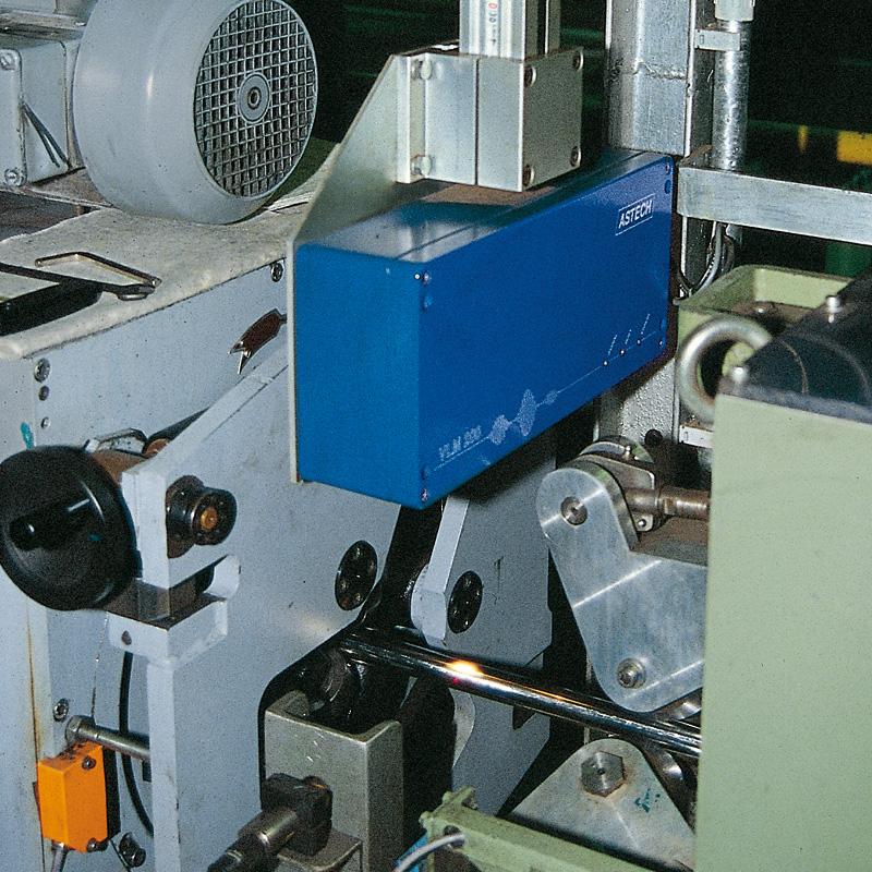 【チューブ・管用】LED非接触 長さ計・速度計|ドイツAstech社